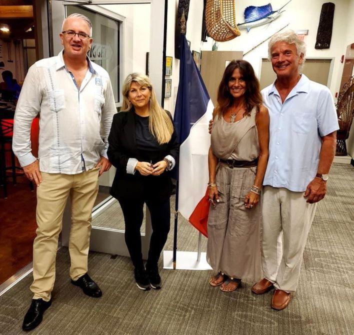 Gwendal Gauthier (directeur du Courrier des Amériques), Isabelle Dubuisson, Deena Rahill et Robert Steele (le président du Elliott Museum)