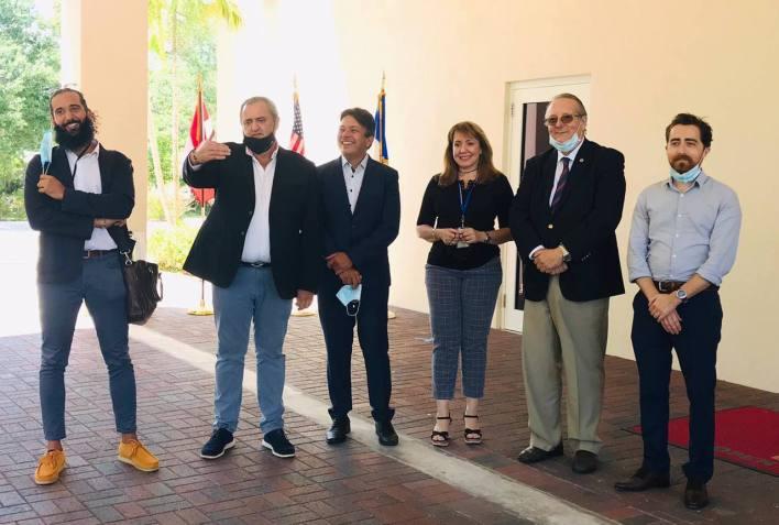 Stanislas Riener (Alliance Française), Franck Bondrille, M. et Mme Antonio Rodriguez (LFA), Xavier Capdevielle et Anthoni Dominguez.
