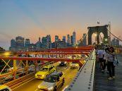 Coucher de soleil au pont de Brooklyn, au dessus du quartier de Dumbo, à Brooklyn (notre guide de New-York)