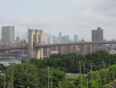 Vue sur le pont de Brooklyn depuis le quartier de Brooklyn Heights à New-York