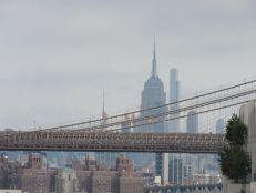 L'Empire State Building vu depuis le quartier de Brooklyn Heights à New-York