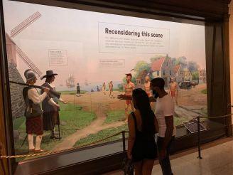 Reproduction d'une rencontre entre colons et autochtones au Musée d'histoire naturelle de New-York (American Museum of Natural History)