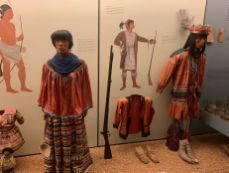 Partie sur les autochtones (indiens) d'Amérique au Musée d'histoire naturelle de New-York (American Museum of Natural History)