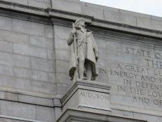 Statue du naturaliste français Jean-Jacques Audubon devant le Musée d'histoire naturelle de New-York (American Museum of Natural History)