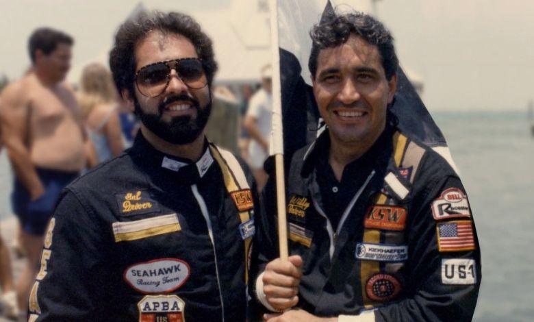 """Sal Magluta et Willy Falcon les deux figures les plus connues des """"Cocaïne Cowboys"""" : une docusérie sidérante sur les trafiquants de drogue de Miami dans les années 1980"""