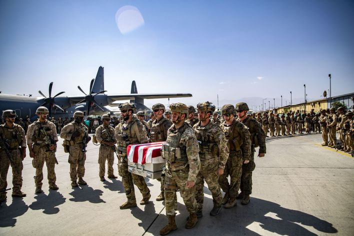 Les dernières images en provenance d'Afghanistan (comme celle-ci en date du 27 août) n'a pas aidé à la compréhension des événements...