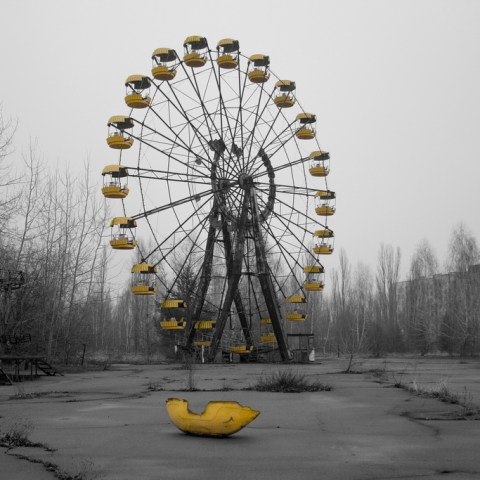 An abandoned Ferris Wheel in Chernyobl