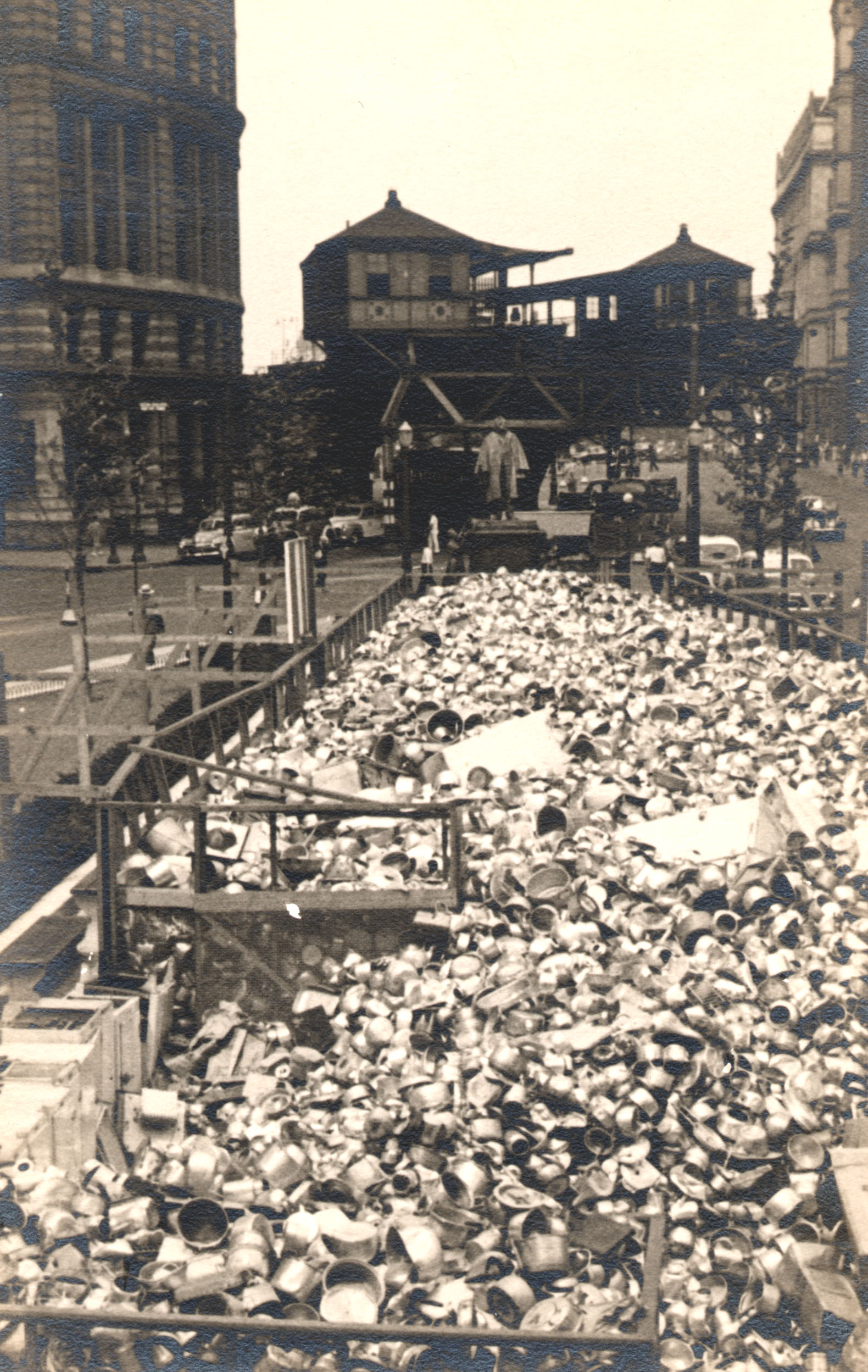 A Natural History Of Garbage Managing Waste In The Past