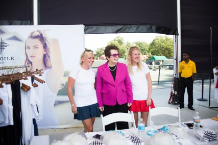 Billie Jean King with the girls of L'Etiole Sport