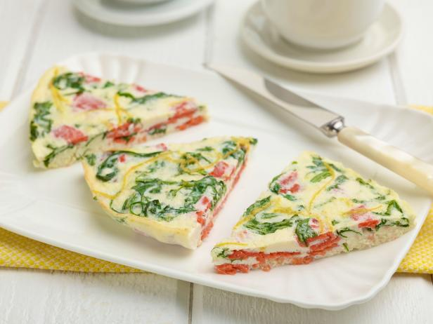 GH0141_Egg-White-Frittata-With-Lox-and_Argula_s4x3.jpg.rend.hgtvcom.616.462.jpg