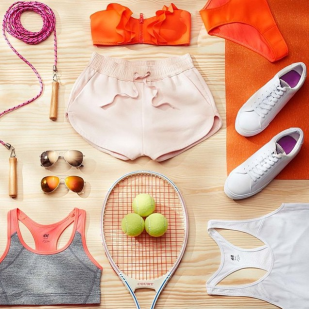 Tennis travel by H&M.