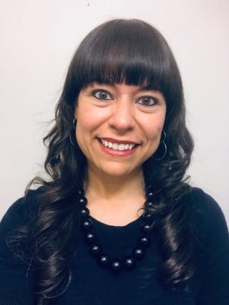 this is cynthia ruiz's headshot for courtney harris coaching blog