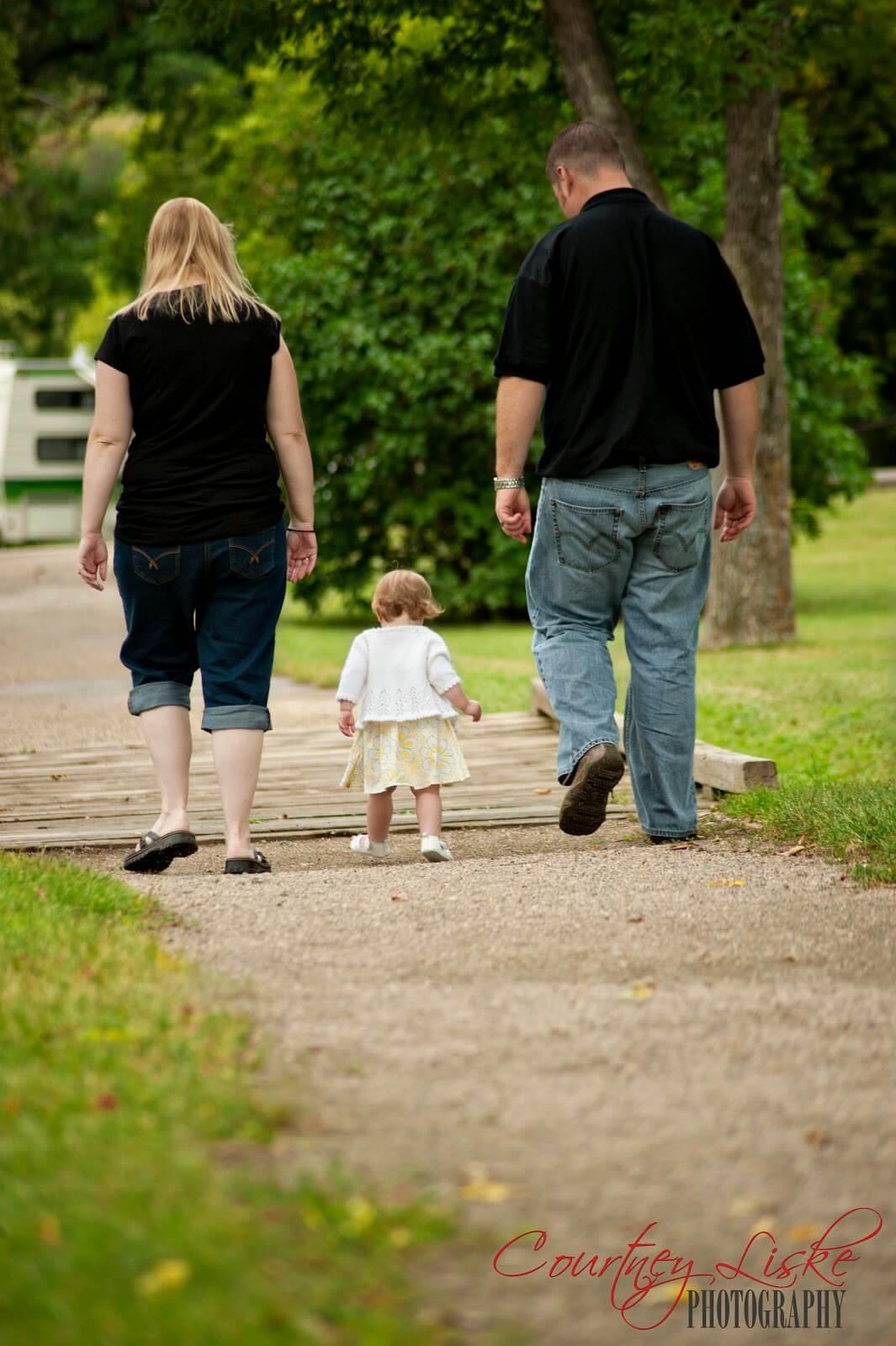 Moose Jaw Family Photography - Eritz Family - Walking