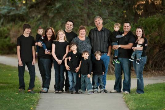 Regina Family Photographer - Favel Extended Family 4