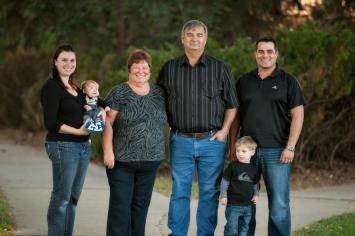 Regina Family Photographer - Favel Extended Family 5