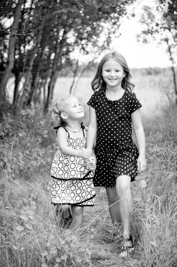 Regina Family Photographer - McCullough Family - Sisters