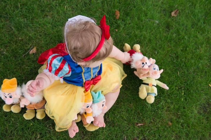 Evelyn is one - Snow White - Dwarfs