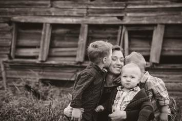 Regina Family Photographer - Neufeld Boys with Tamz