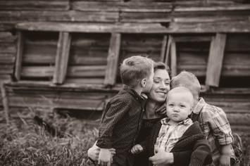 Regina Family Photographer - Neufeld Boys with Tamz