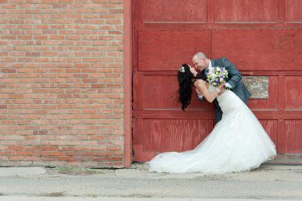 Regina Wedding Photographer - Alicia & Andrew - Red Door