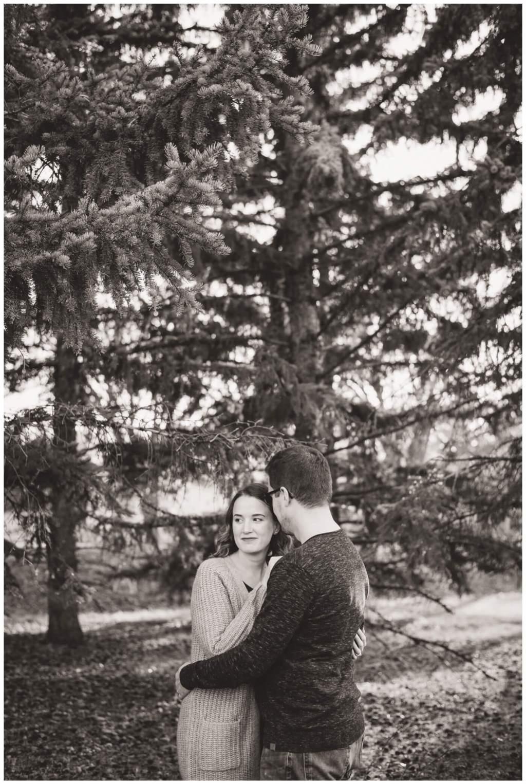Regina Family Photographer - Teala-Jarrett - Fall Family Session - Les Sherman Park