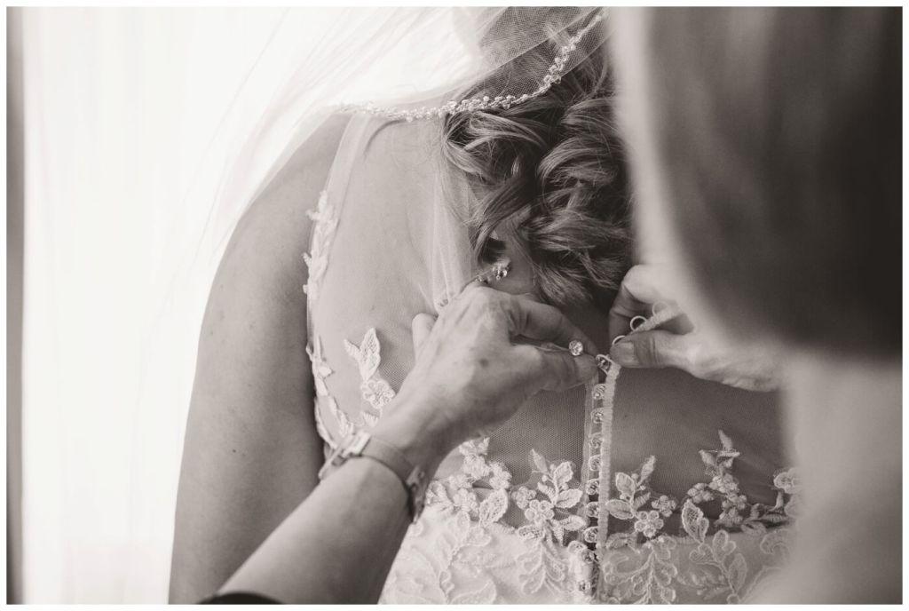 Regina Wedding Photography - Dave - Sarah - Wedding - Hotel Saskatchewan Regina - Maggie Sotterro - Newline Fashion
