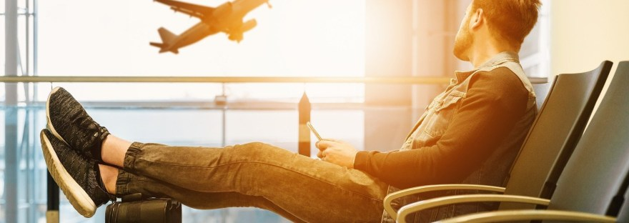 8 seated stretches for travelers