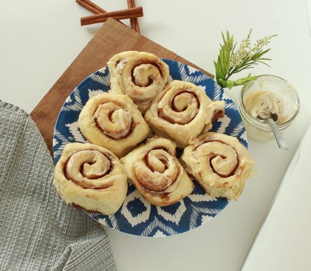 Amazing Vegan Cinnamon Rolls