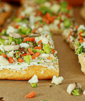 Vegan vegetable ranch pizza