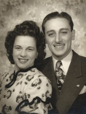 "Estelle ""Pat"" Lovejoy Berman, Aaron ""Al"" Berman via Shari Berman Landes"