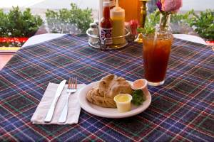 Whole German Pastie with Iced Tea