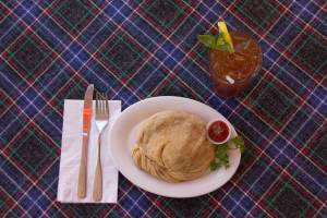 Large Steak Pastie with Iced Tea