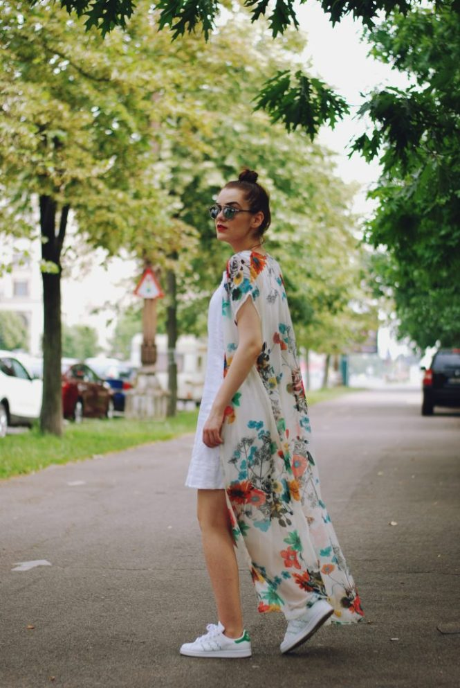 Embroidered little white dress, lwd, long flower print kimono, stan smith sneakers, white sneakers trend, christian dior sunglasses, yellow bag, Andreea Birsan
