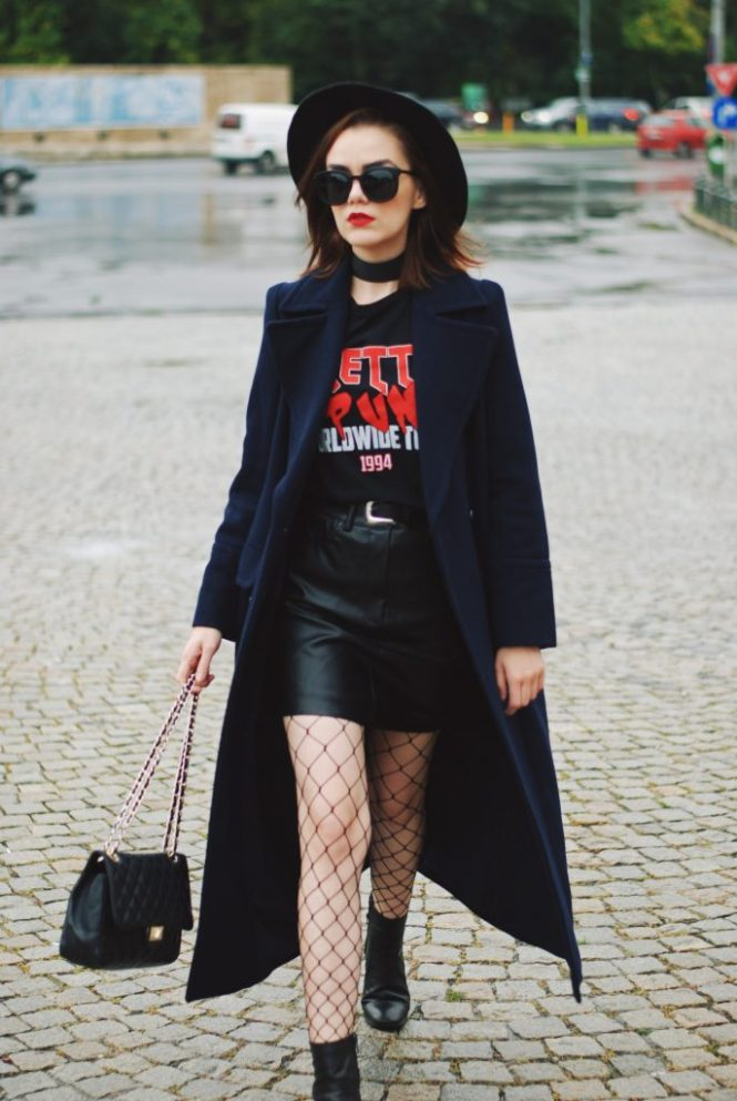 94d67795e1b1 Black mini leather skirt, graphic tshirt top, fishnet tights, fedora hat,  zara