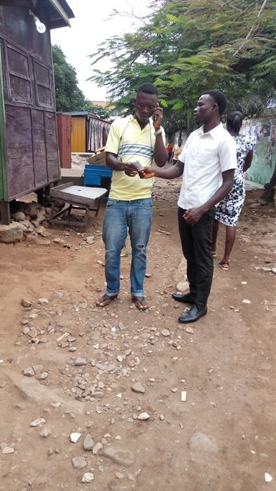 David Asufo Passing out tracts