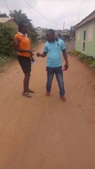 della giving a man a tract