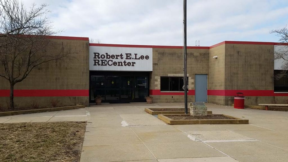Exterior of Robert E. Lee RECenter