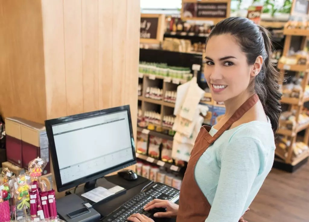 cashier cover letter   2 examples with 10 tips