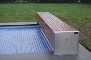 le-volet-pour-piscine-banc-bois-ip-et-structure-inox