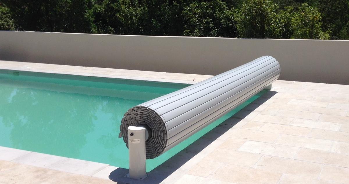Stores de piscine volets et couverture de piscine hors sol coverline - Piscine hors sol profondeur 2m ...