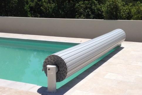 Exemple de stores de piscine