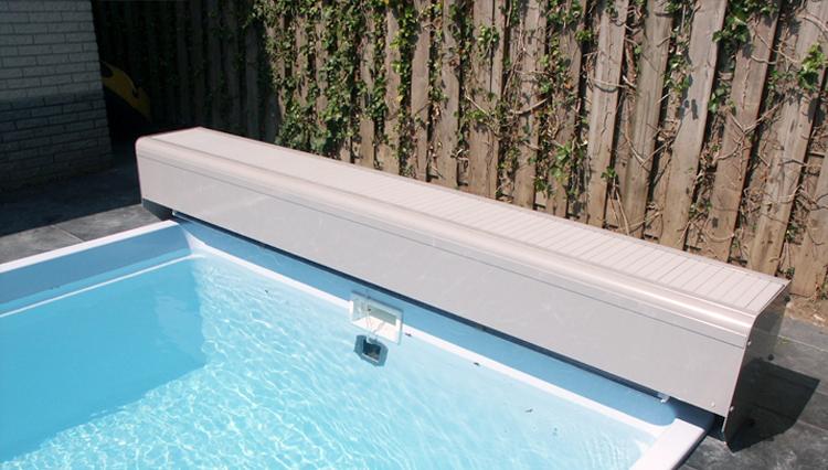 volet de piscine lectrique volet hors sol de piscine avec banc. Black Bedroom Furniture Sets. Home Design Ideas