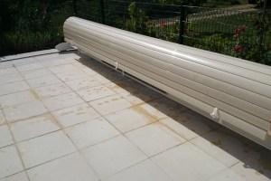 volet-mobile-sur-rails-alimentation-solaire-secteur-uzes
