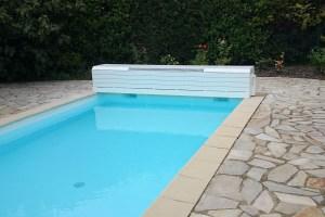 couvertures piscine automatiques -hors-sol-banc-alimentation-solaire