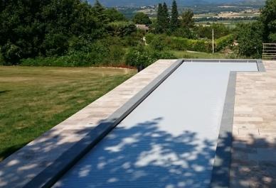 volet-de-piscine-pour-grand-bassin