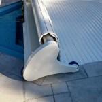 piscine coque volet avec forme spéciale