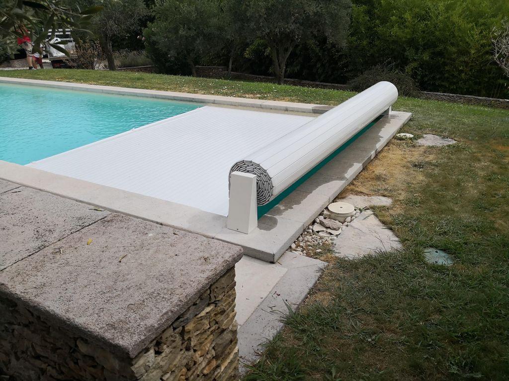 Voir Piscine Hors Sol stores de piscine, volets et couverture de piscine hors-sol