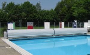 volet de piscine en deux parties pour piscine publique