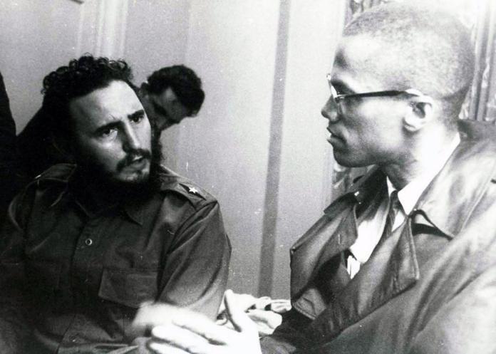 La historia detrás de la camiseta Malcolm X con Fidel Castro de Colin Kaepernick.