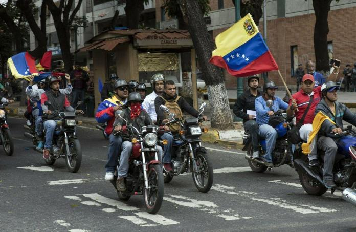 Maduro's muscle: Motorcycle gangs known as 'colectivos' are the enforcers for Venezuela's authoritarian leader - Chicago Tribune